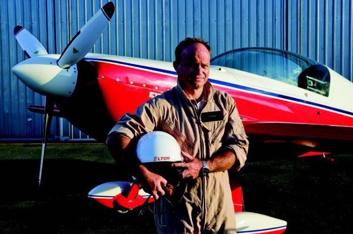 Pilot Elton Bondi